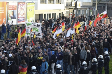 manifestation-anti-refugies-cologne.jpg