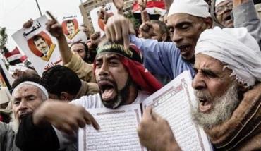 MuslimsQuran.jpg