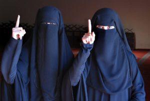 femmes-niqab-shahada-300x203.jpg